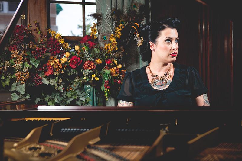 Davina & The Vagabonds-Garret Born