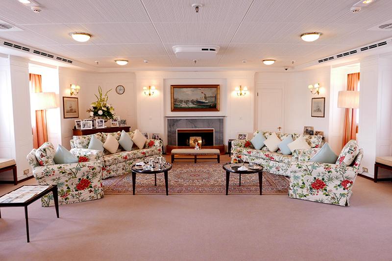 royalyachtbritanniadrawingroom